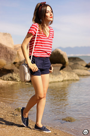 Gap shorts - red Gap t-shirt