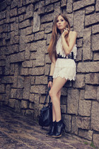 white Lokanda dress - cream Chicwish shorts