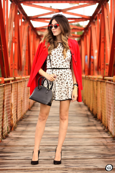 black Amaro bag - white Slywear dress - black Esdra heels