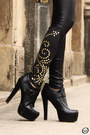 Black-labellamafia-leggings-gold-golden-romwe-cardigan-black-asos-heels