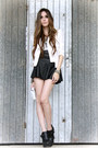 Ivory-romwe-blazer-black-lokanda-skirt