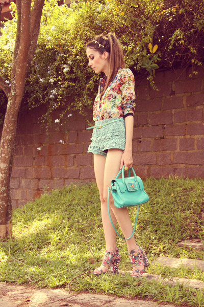 aquamarine Chicwish shorts - nude floral print FashionCooltureShop coat