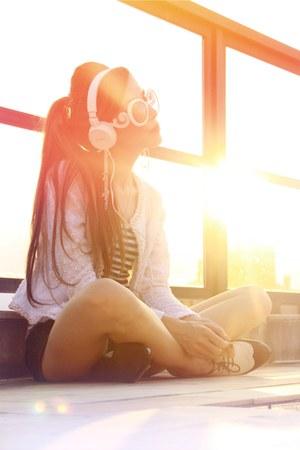white headphone east village love accessories - white romwe sunglasses