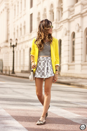 yellow Shoulder blazer - off white Displicent top - off white Displicent skirt