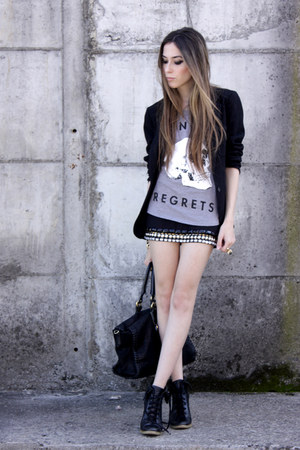 black Morena Raiz skirt - heather gray glamour kills t-shirt