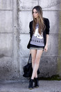 Heather-gray-glamour-kills-t-shirt-black-morena-raiz-skirt