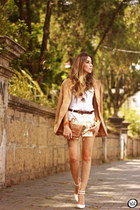 neutral MondaBelle shorts