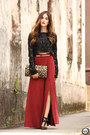 Black-as-marias-jumper-red-as-marias-skirt