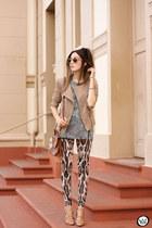 neutral triton pants - brown Dafiti jacket - charcoal gray triton t-shirt