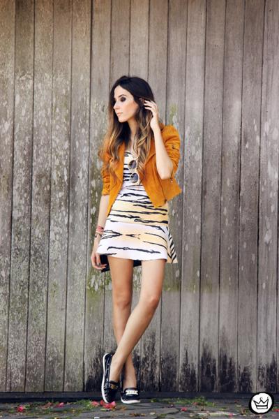 cream Displicent dress