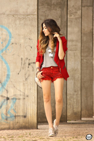 red Degrant shorts