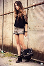 Black-lança-perfume-boots-black-q2-shorts-black-douglas-harris-top