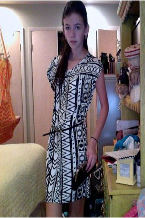 white aztec style Local Boutique dress - dark gray clutch Ann Taylor Loft bag