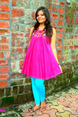 hot pink bag - turquoise blue tights - maroon flats - hot pink top