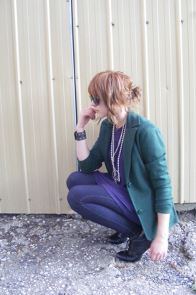 Secondhand blazer - Living Doll dress - Secondhand necklace - Jay Jays necklace