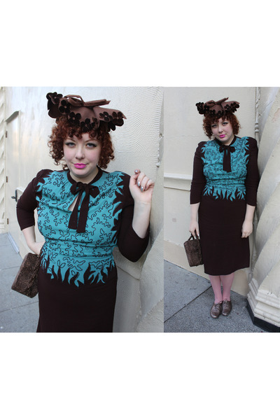 brown beaded 1930s purse - turquoise blue 1940s dress - dark brown 1940s hat