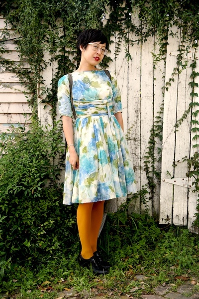 blue vintage dress - beige See glasses - yellow Tabio tights - brown Etsy access