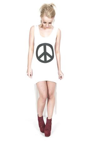 white maxi dress Frank dress