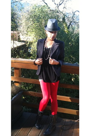 black lace up boots Moda boots - black Marshalls hat - red stretchy Z Gallery le