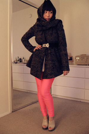 black elastic H&M belt - black versatile Zara coat
