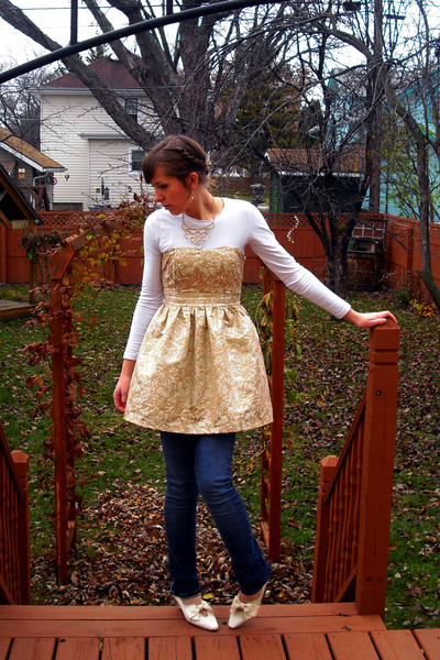 gold staccato dress - white Forever 21 shirt - gold vintage necklace - white vin