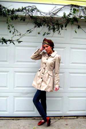 beige H&M coat - brown vintage shoes - brown Forever21 scarf