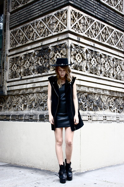 biker Maurie and Eve boots - leather Monki dress - vintage Stetson hat
