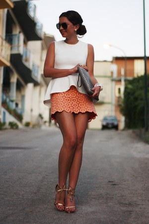 salmon StylebyMarina skirt - off white H&M Trend top - gold Buffalo sandals