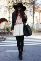 light pink lookbookstore sweater - black VJ-style bag