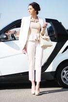 peach romwe blouse - eggshell house of harlow 66 heels