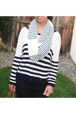 Fryes boots - white stripes unlabeled sweater - black J Crew leggings