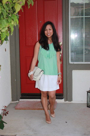 aquamarine banana republic top - white J Crew skirt - camel tory burch pumps