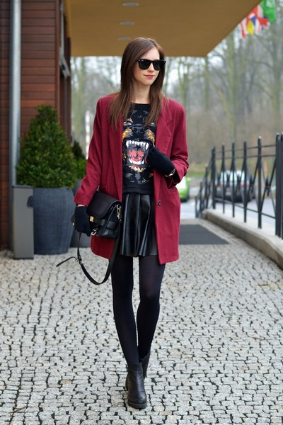 black vagabond boots - brick red Chicwish coat - black H&M tights