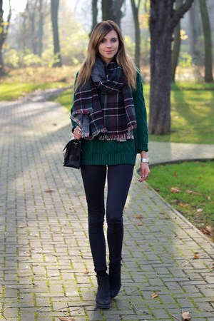 black Topshop jeans - forest green Sheinside sweater - forest green Zara scarf