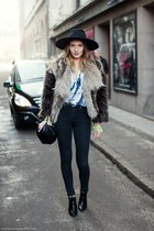 Fur and ankle boots
