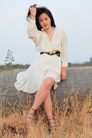 Bakers shoes - vintage dress - vintage belt