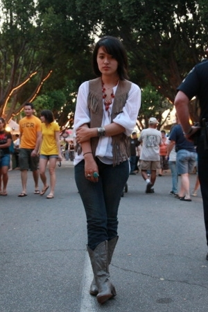 Gap jeans - Zara shirt - vintage boots - vintage vest - vintage accessories