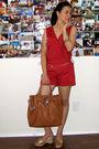 Red-kat-jumper-gold-vnc-shoes-brown-michael-michael-kors-purse-gold