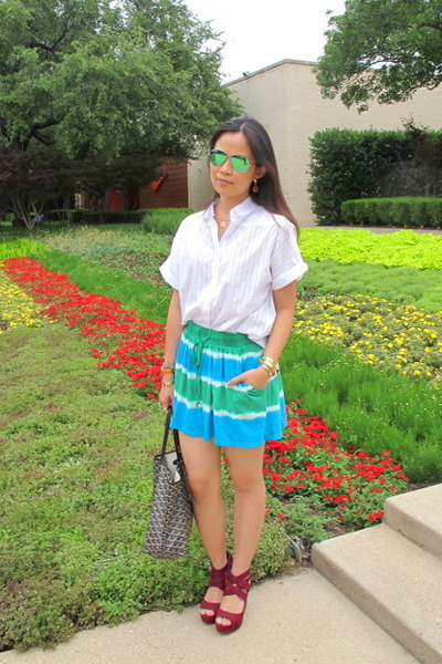 turquoise blue C&C California shorts - white Marc by Marc Jacobs shirt
