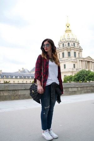 jeans - red Zara shirt