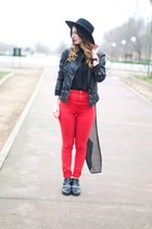 red Zara jeans - black boots - black hat