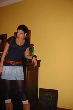 Zara t-shirt - Bershka skirt - Ugg boots - Bershka belt - Bershka purse - Acceso