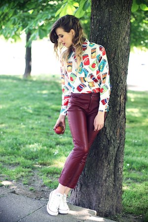 maroon H&M pants - white Converse sneakers