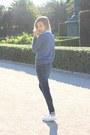 Navy-zara-jeans-navy-primark-sweatshirt-white-converse-sneakers