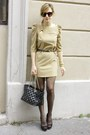 Light-brown-blanco-dress-black-purificacion-garcia-bag-black-primark-heels