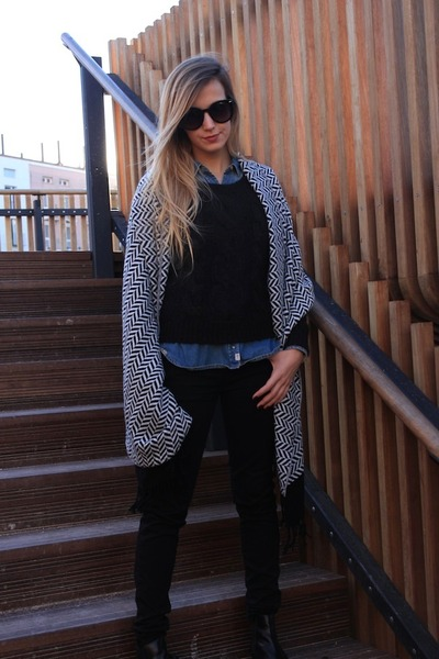 blue Zara shirt - black Zara jeans - black H&M scarf