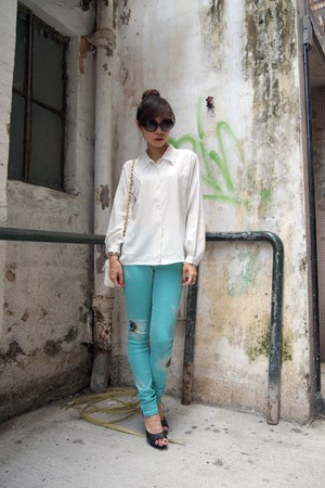 vintage shirt - white Chanel bag - black H&M wedges - turquoise blue AIC pants
