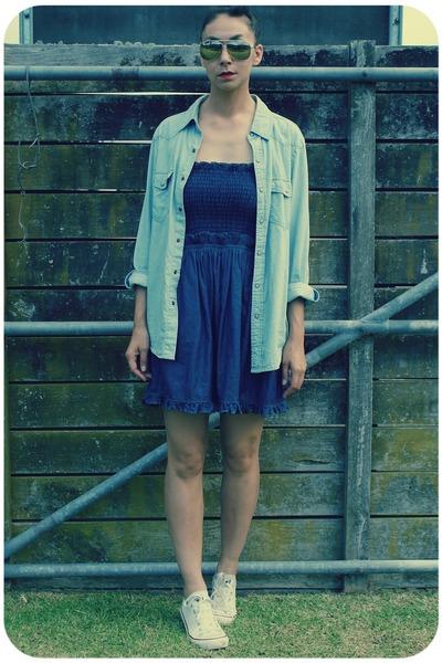 81d2c3cb5828 sky blue chambray Bauhaus shirt - white Converse shoes - navy Karen Walker  dress