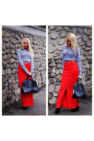 red skirt - white shirt - black bag