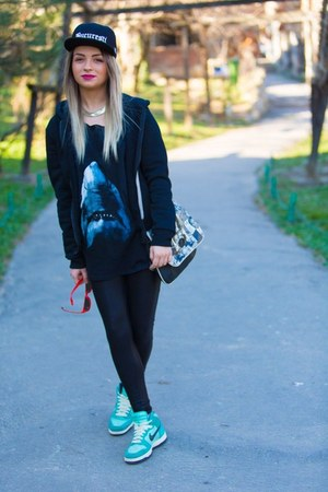 black jacket - black Bershka leggings - t-shirt - blue nike sneakers